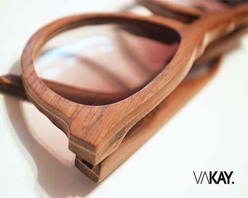 lunette de soleil en bois